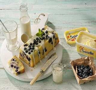 Zitronenkuchen mit Blaubeeren & Joghurt