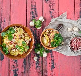 Kartoffelsalat mit Speck und Champignons